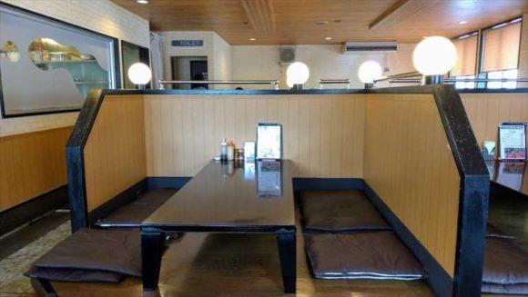 ステーキレストランがんねんの店内