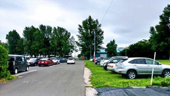 八紘学園駐車場