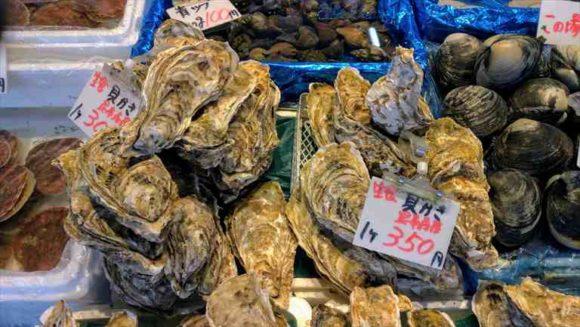 二条市場の牡蠣