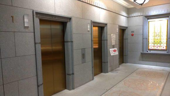 イシヤショップ横のエレベーター