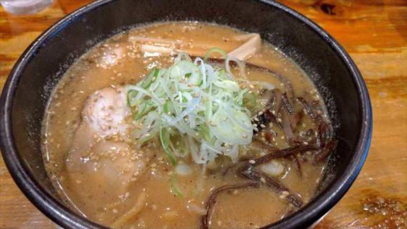 吉山商店の焙煎ごまみそラーメン