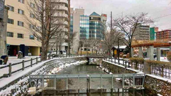 エクセルホテル近くを流れる鴨々川