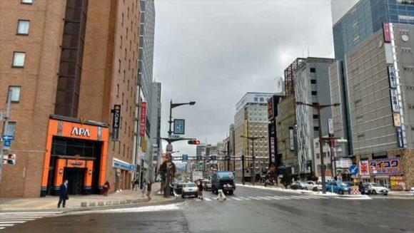 メルキュールホテル札幌が面している国道36号線