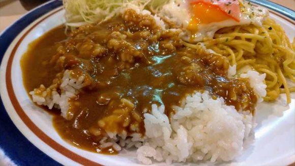 カレーライス&やきそば(スープ付き) 700円