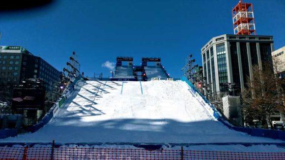 さっぽろ雪祭り「大通公園3丁目」のジャンプ台