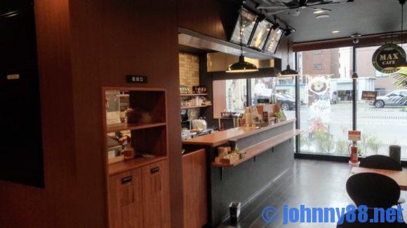 MAX CAFE札幌すすきの店カウンター