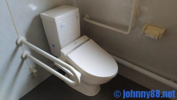 オートリゾート苫小牧アルテンのデッキハウストイレ