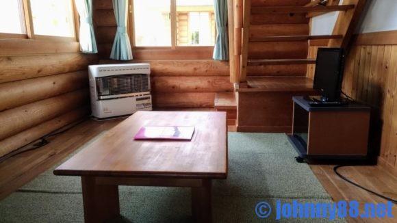 オートリゾート苫小牧アルテンのログハウスリビング