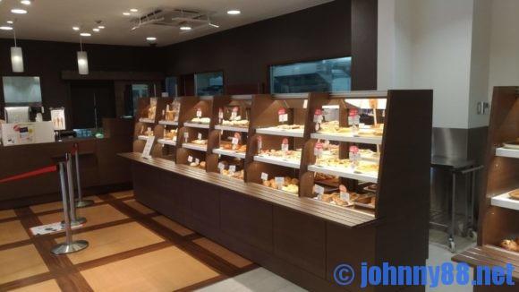 ロイズベーカリー店内画像