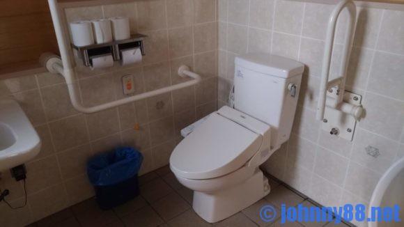まあぶオートキャンプ場の多目的トイレ
