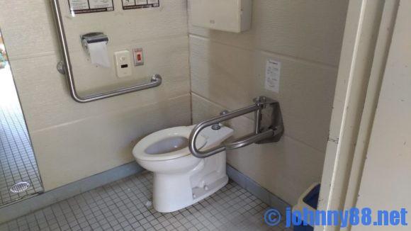 モラップキャンプ場(支笏湖)多目的トイレ