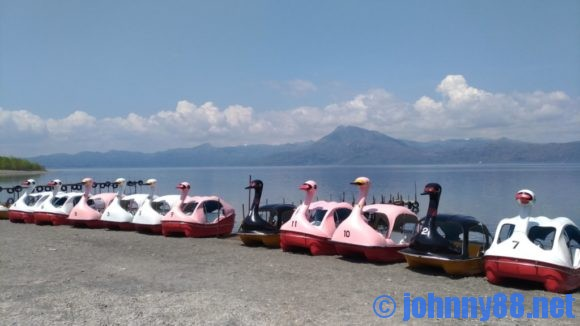 支笏湖のスワンボート