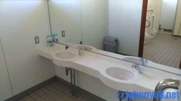 北海道立宗谷ふれあい公園オートキャンプ場のトイレ