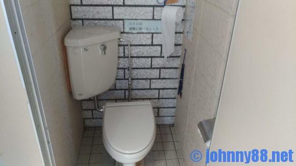 臼谷海水浴場のトイレ