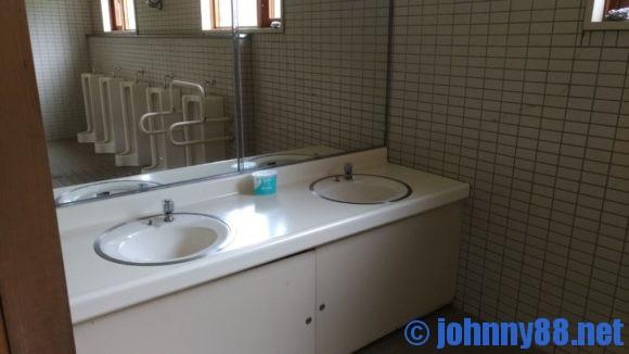 カムイの杜公園キャンプ場トイレ
