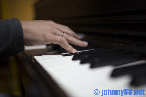 一日2回のピアノ演奏