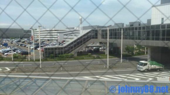 新千歳空港駐車場への連絡通路