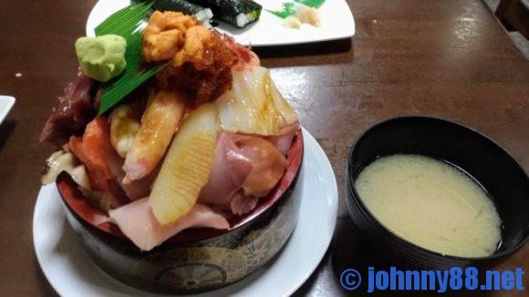 寿司まつくらのジャンボ海鮮丼