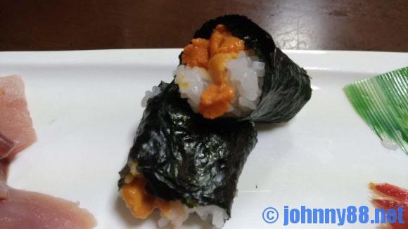 寿司まつくらの海苔巻き(うに)