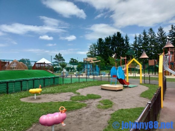 円山動物園の遊具広場
