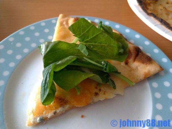 石窯焼グラッチェの4種のチーズピザ