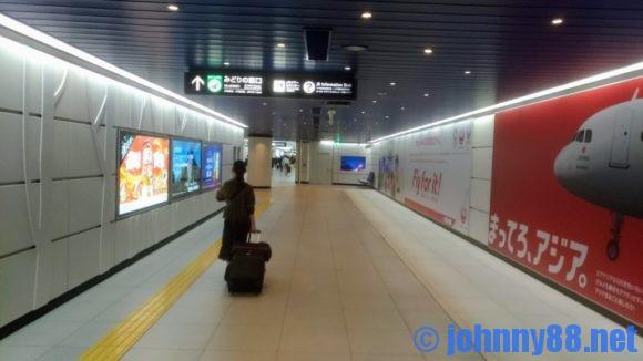 新千歳空港駅に通じる通路