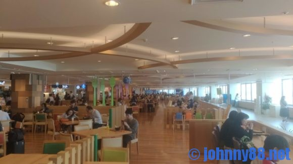 新千歳空港3階フードコート