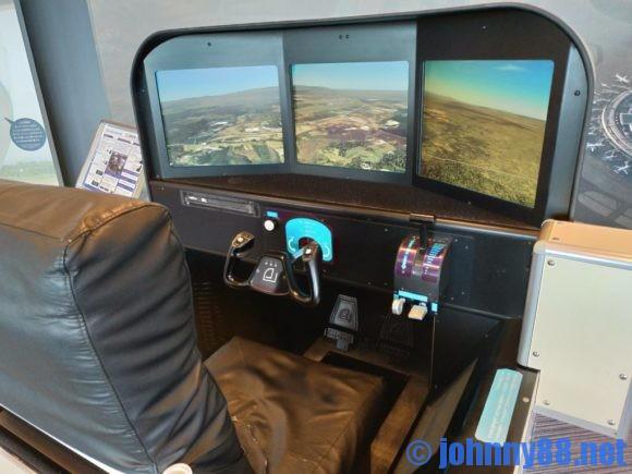 新千歳空港のフライトシュミレーター