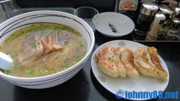 麺厨房あじさい 本店の塩ラーメンと餃子