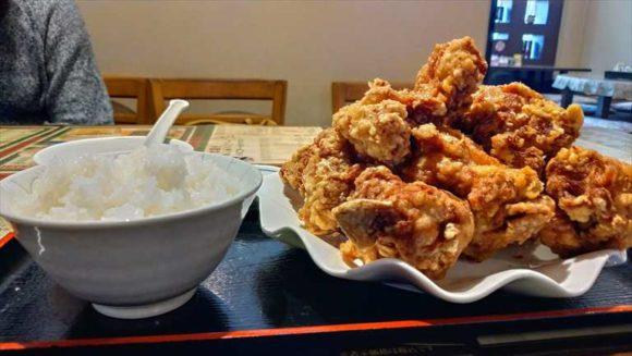 東方明珠飯店の鶏の唐揚げ