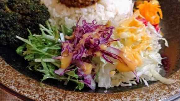 牛スジとチキンの濃厚カレー(980円)