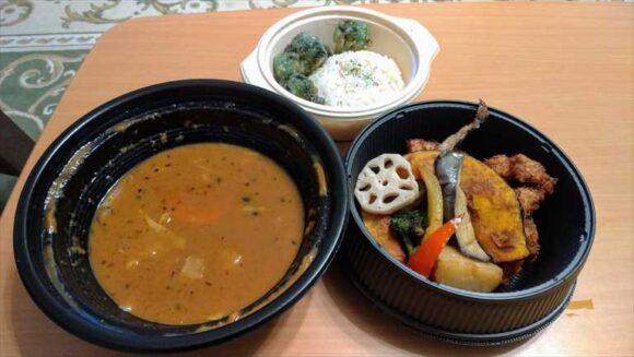 フードデリバリーサービスで注文したサムライのスープカレー