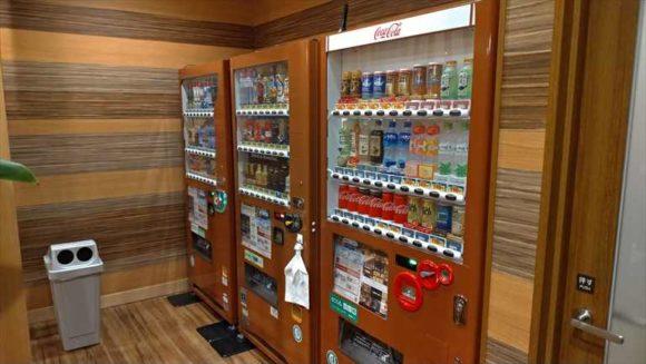 ドーミーイン札幌の自動販売機