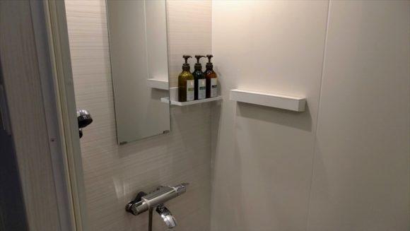 札幌狸小路本店のシャワールーム