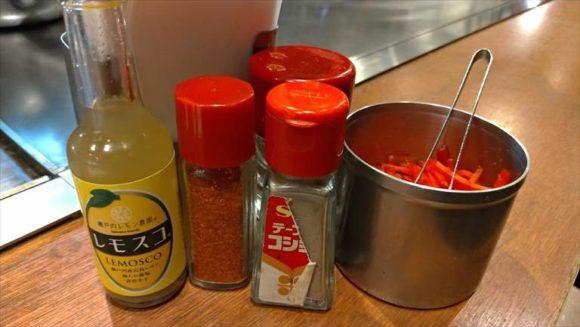 広島風お好み焼き ひなちゃんの卓上調味料