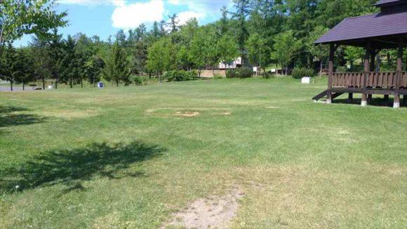 芝生フリーサイト(キトウシ森林公園キャンプ場)