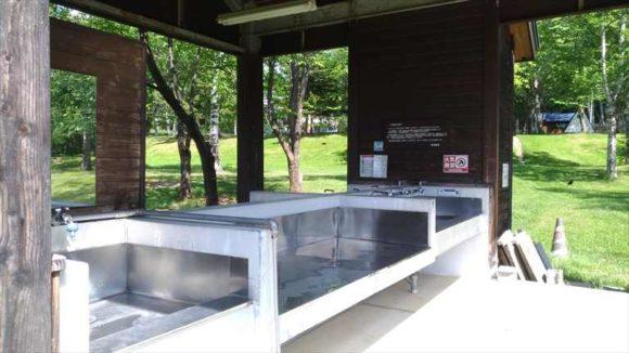 ひがしかぐら森林公園キャンプ場フリーサイト炊事場