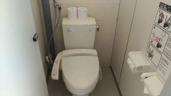 ひがしかぐら森林公園キャンプ場フリーサイトトイレ