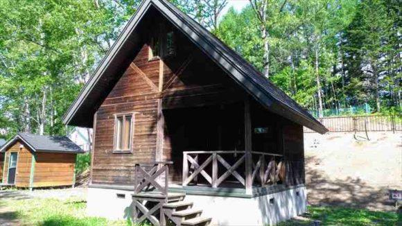 ひがしかぐら森林公園キャンプ場キャビン
