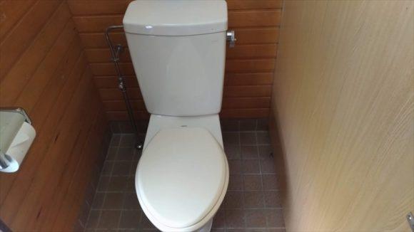 オートキャンプ場フローレのトイレ