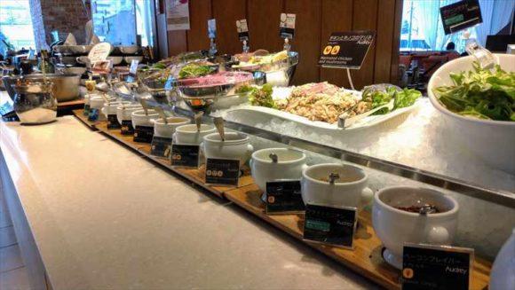 札幌ビューホテルランチブッフェのサラダ