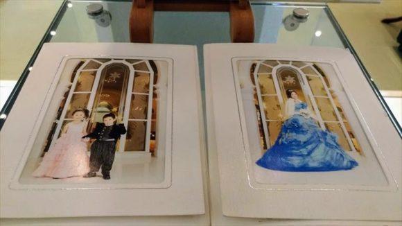 雪の美術館の記念写真