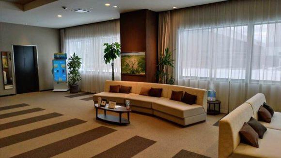 ワイズホテル旭川駅前のフロント