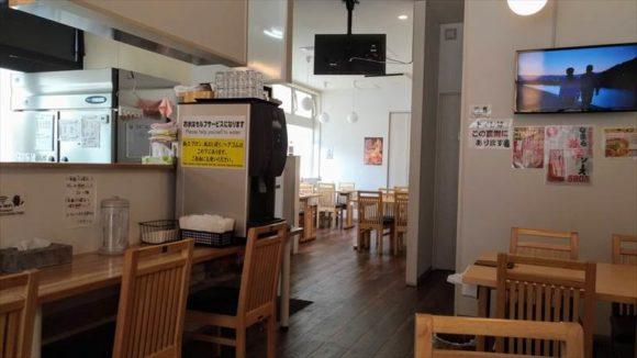 旭川三平本店の店内