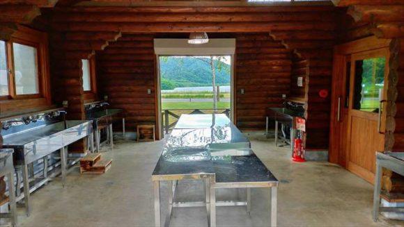 滝里湖オートキャンプ場の炊事棟&トイレ