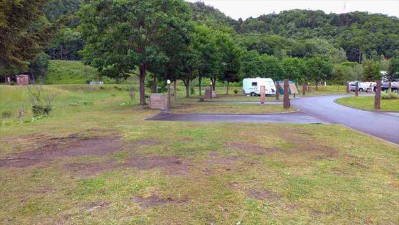 滝里湖オートキャンプ場カーサイトA