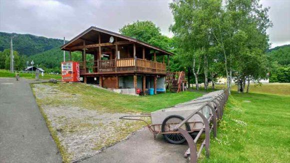 かなやま湖畔キャンプ場(フリーサイト)のリヤカー