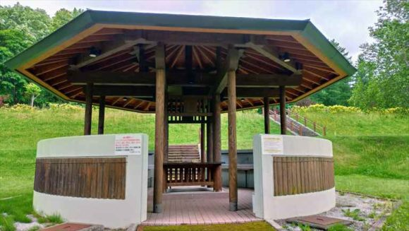 かなやま湖オートキャンプ場の炊事棟