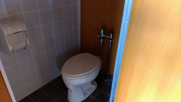 かなやま湖オートキャンプ場ののトイレ