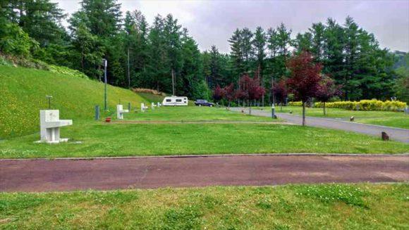 かなやま湖オートキャンプ場のキャンピングカーサイト